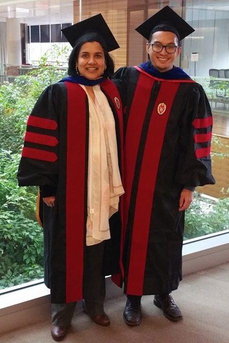 Khoa graduates